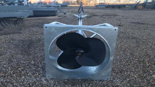 Batidor de estiércol hidráulico marca Rinoagro. Medida de 4M