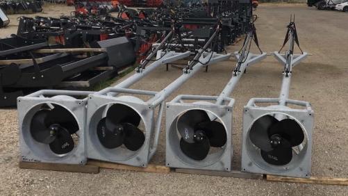 Batidor de estiércol hidráulico marca Rinoagro 4M